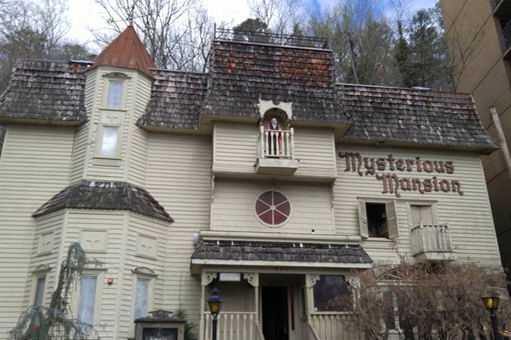 Mysterious-Mansion-Gatlinburg