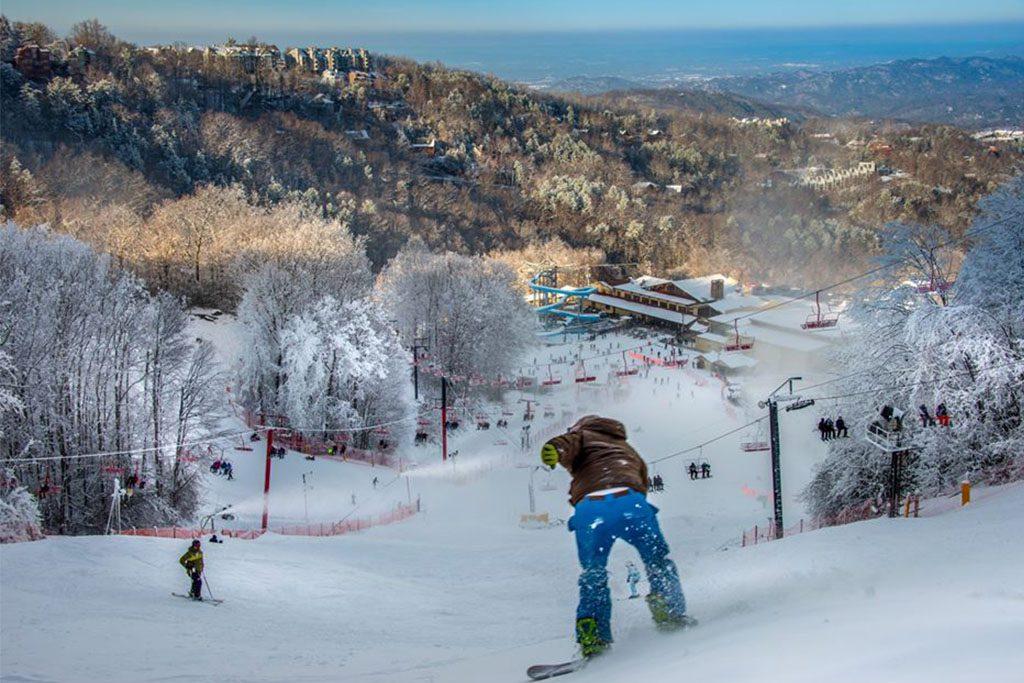 Gatlinburg winter sports, Gatlinburg skiing, Gatlinburg snowboarding, Gatlinburg snow tubing